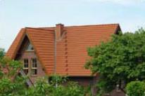 Henke Dachdeckerei und Zimmerei in Obernkirchen (Schaumburg-Lippe) - Dacheindeckung mit Dachsteinen
