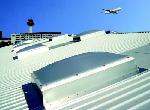 Henke Dachdecker für Rinteln - Schallschutz und Energieeffizienz mit Lichtkuppel Jet-Top 90 Schall