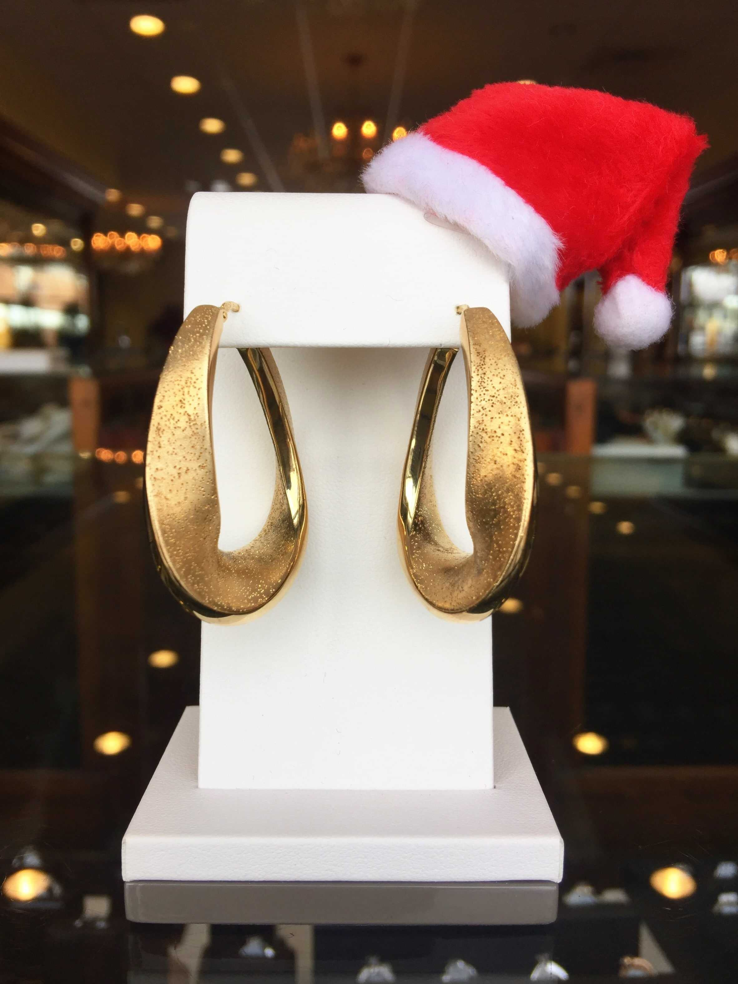 Facebook Flash Giveaway #3…Charles Garnier Earring Set