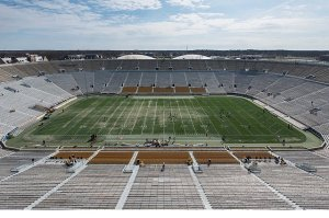 notre_dame_stadium_to_get_artificial_turf_m12