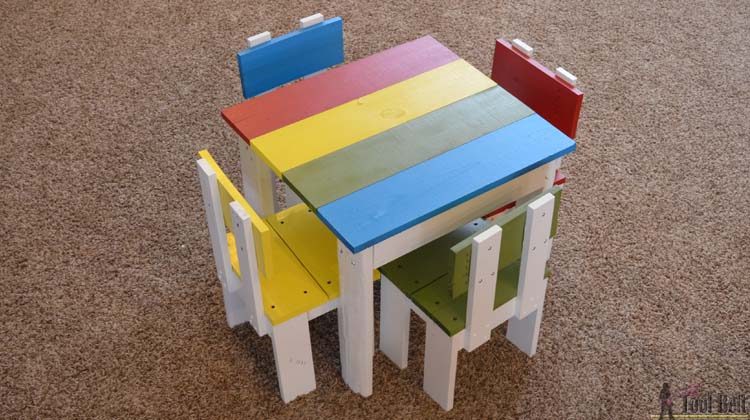 kids table and chairs feature