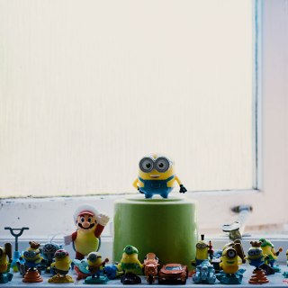 minions in washroom1