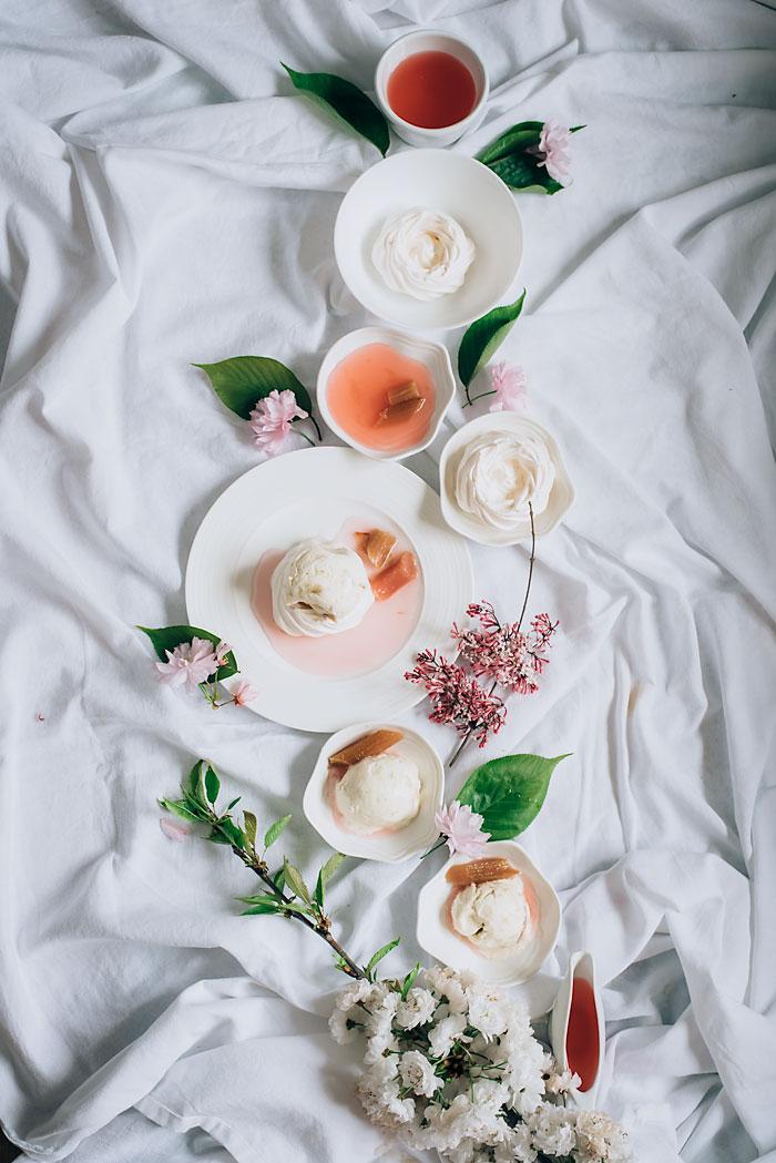 Rhubarb Icecream Meringues1