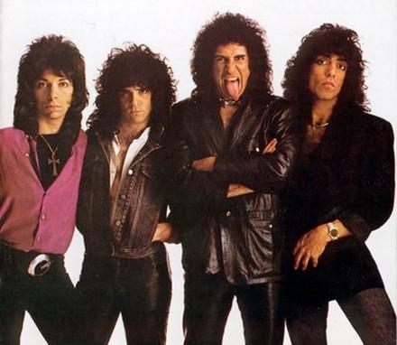 http://i1.wp.com/www.heydullblog.com/wp-content/uploads/2014/04/kiss-1983.jpg
