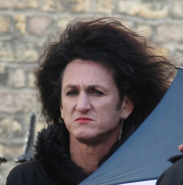 Sean Penn This Must Be the Place 3 Sean Penn Haunts Dublin in Set Pics for This Must Be The Place