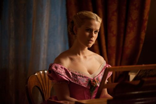 Alice Eve The Raven Lovely Hi Res Look At Alice Eve In The Raven With John Cusack