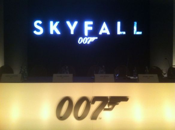 bond 23 skyfall logo twitpic 803x600 Bond 23 Press Conference Report   Logo, Title, Cast and Synopsis Revealed