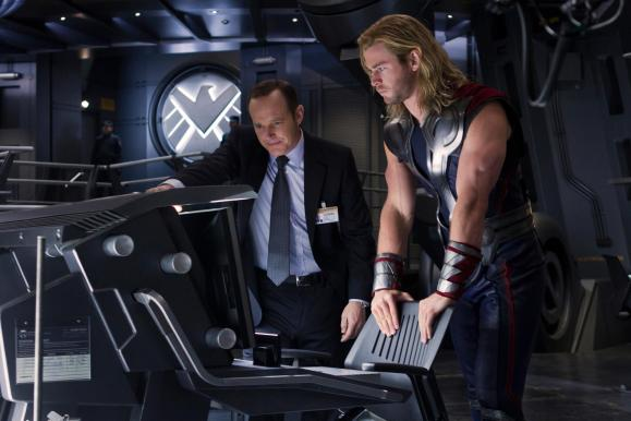 The Avengers Thor and Agent Coulson 900x600 Heres a New Image of The Avengers featuring Thor, Agent Coulson and a Chair