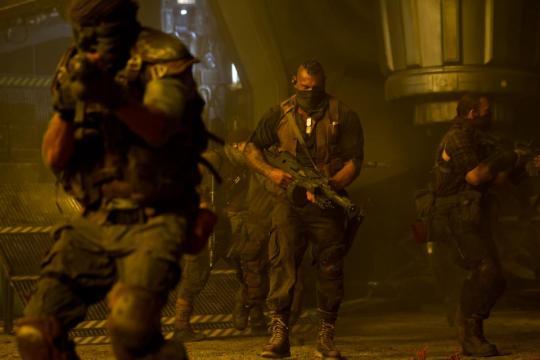 Riddick Mercenaries 900x600 Meet the Mercenaries in New Image from Vin Diesel's Riddick