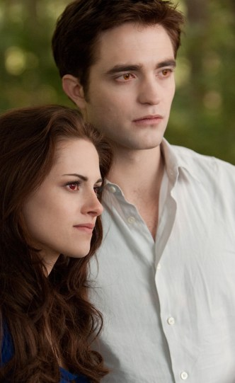 Two New Images Released for Twilight: Breaking Dawn Part 2