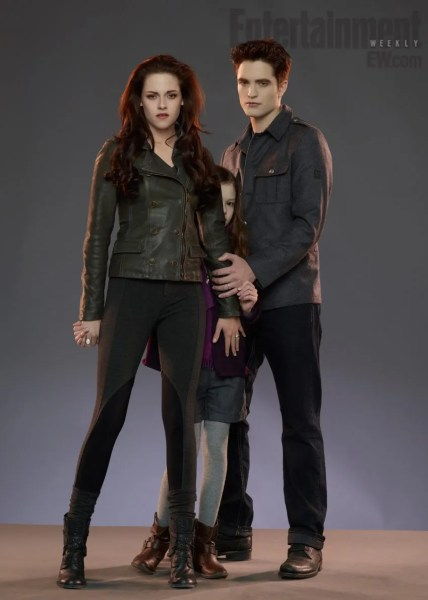Renesmee Twlight Breaking Dawn Part 2 428x600 The First Look at Edward and Bellas Daughter in Twilight: Breaking Dawn Part 2