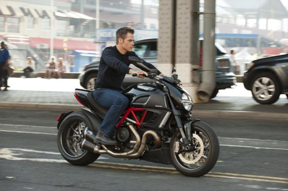 Chris Pine as Jack Ryan 585x389 New International One Sheet for Jack Ryan: Shadow Recruit