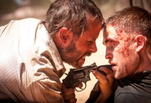 Guy Pearce and Robert Pattinson in The Rover 220x150 First Look Image: Robert Pattinson and Guy Pearce in The Rover