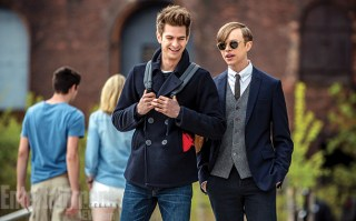 Andrew-Garfield-and-Dane-DeHaan-in-The-Amazing-Spider-Man-2