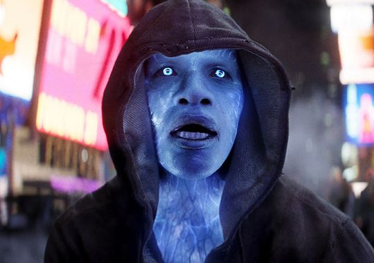 Jamie Foxx in The Amazing Spider Man 2 Electro Loses Control in First Clip from The Amazing Spider Man 2