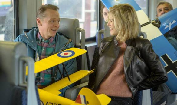 Simon Pegg and Rosamund Pike in Hector and the Search for Happiness 585x350 New Trailer for Hector and the Search for Happiness with Simon Pegg & Rosamund Pike