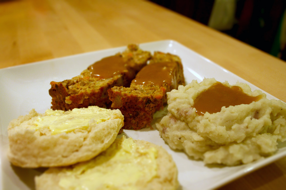 Meatless Meatloaf (let's stick with the theme of ignoring terrible old photos!)