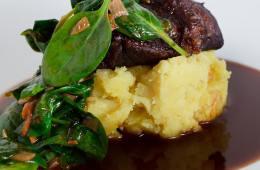 kalbsbaeckchen-kartoffel-ingwer-stampf-spinat
