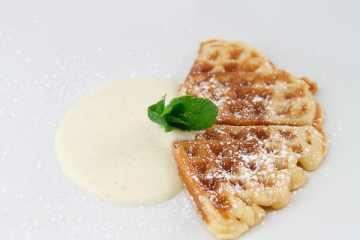 waffeln-mit-vanillesauce