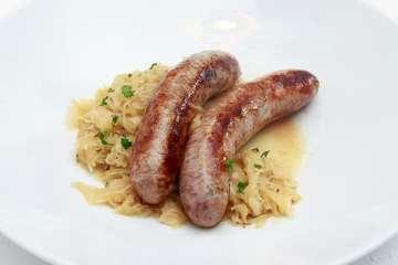 fraenkische-bratwuerste-mit-gin-sauerkraut
