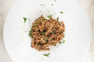fettucine-mit-cashew-rote-bete-spinat-pesto