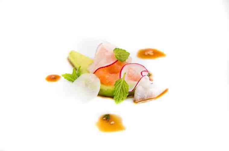 sashimi-saibling-rettich-avocado-2