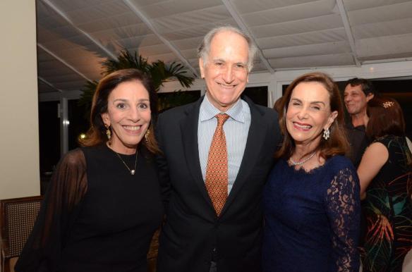 jn Alicinha Silveira com Juan Carlo e Cecília Coderch