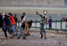 stone pelting in kashmir