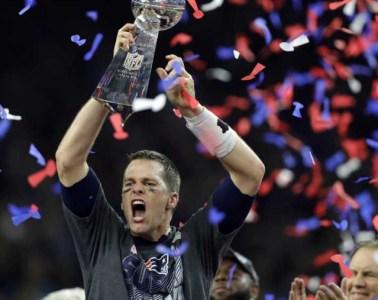 Brady-Lombardi-trophy-Super-Bowl-51-hip-hop-sports-report