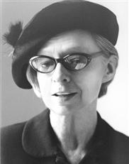 sara pritchard with hat and glasses