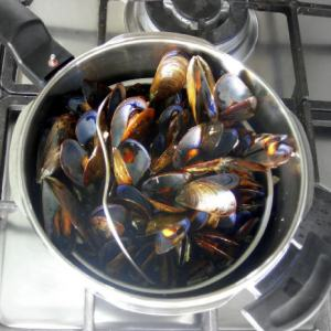 steaming_in_pressure_cooker