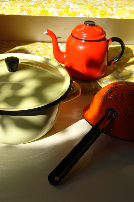 various vintage enamel kitchenalia items
