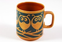 brown vintage Hornsea Pottery mug with transfer printed owl decoration designed by John Clappison