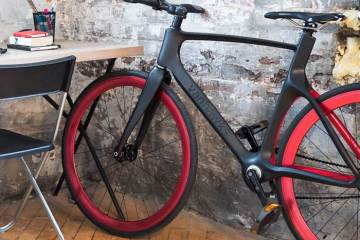 Vanhawks Valour connected bike