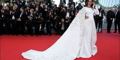 "Actress Sonam Kapoor poses on the red carpet as she arrives for the screening of the film ""Mal de pierres"" (From the Land of the Moon) in competition at the 69th Cannes Film Festival in Cannes, France, May 15, 2016.        REUTERS/Eric Gaillard"