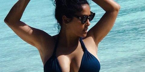 salma-hayek-51-challenging-liz-hurley-53-as-ultimate-bikini-queen-in-new-sexy-navy-suit-ftr-1