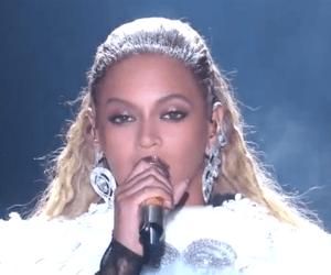 Beyoncé VMAs 2016