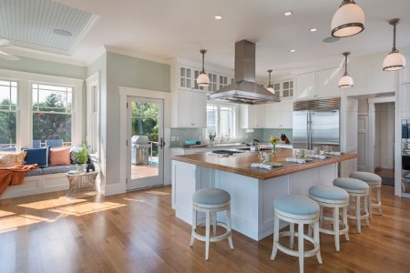 open kitchen layout. open kitchen with ocean view. coastal kitchen with open layout. open coastal kitchen and breakfast room. open kitchen layout coastal davitt design build inc. nat rea photography.