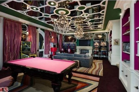 christina aguileras house game room 611x402