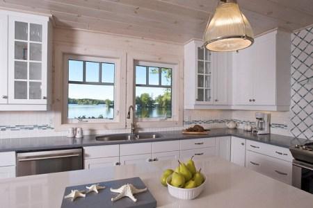 coastal cottage kitchen. coastal kitchen ideas. small kitchen. coastalkitchen smallkitchendesign