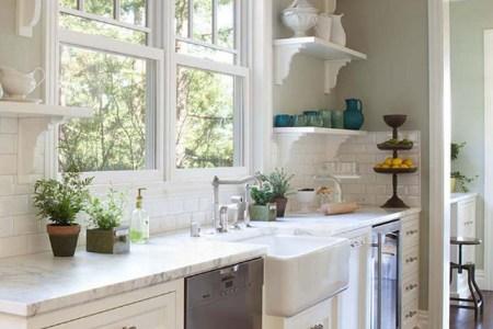 kitchen window. kitchen cat window. kitchen cat window ideas. kitchen cat window above sink. kitchen catwindowpaul dryer photography.