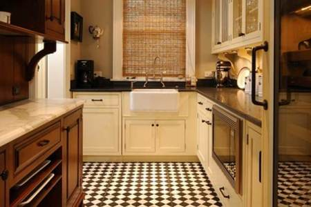 traditional kitchen 1
