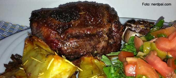 Steak-com-batatas-rústicas
