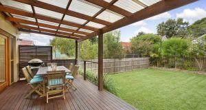 backyard appear larger (5)