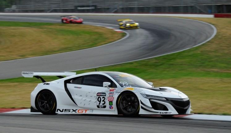 2017年、NSX GT3はWeatherTech SportsCar Championship と Pirelli World Challenge というアメリカ国内の2カテゴリーに参戦する。