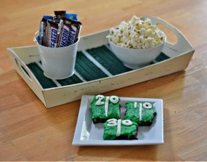 Perfect football serving tray DIY project