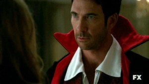 american-horror-story-dylan-mcdermott-nell-episodio-halloween-part-1-stagione-1-221175