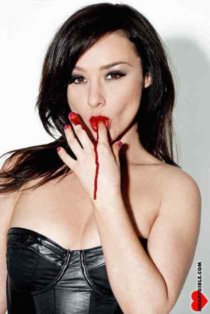 Interview With :    Scream Queen and Director Danielle Harris - Part 2,