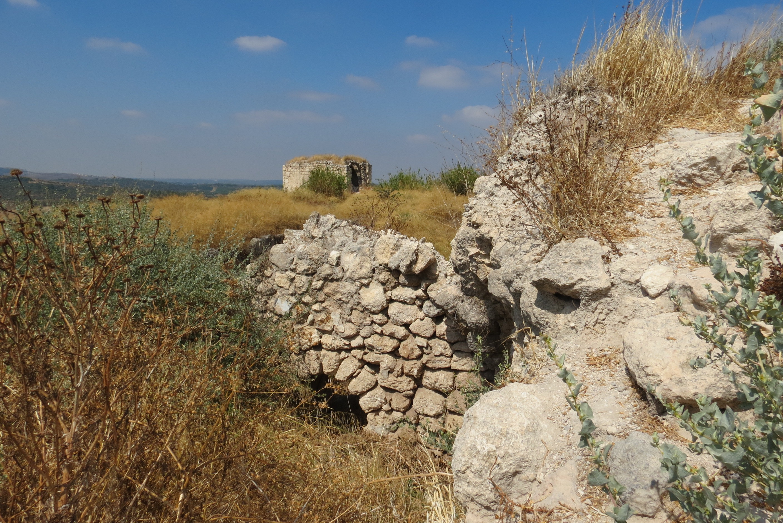 המבצר הצלבני וביצורים ירדנים