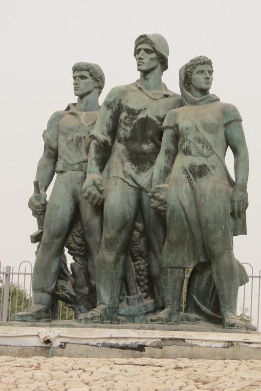 פסל של נתן רפפורט